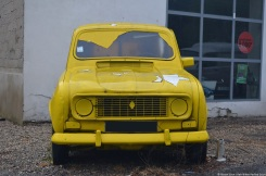 renault-4-billboard-11