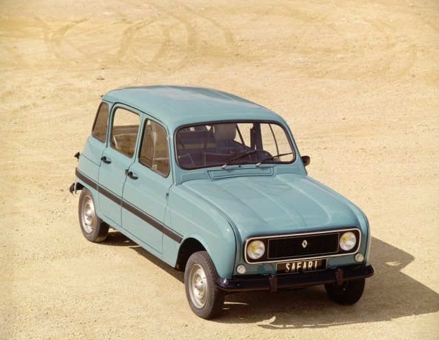 a look at the renault 4 safari ran when parked. Black Bedroom Furniture Sets. Home Design Ideas