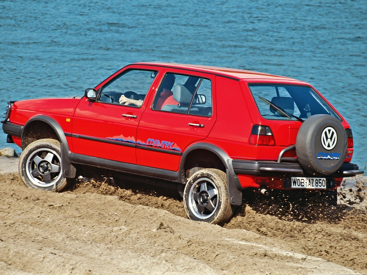 A look at the Volkswagen Golf Country | Ran When Parked