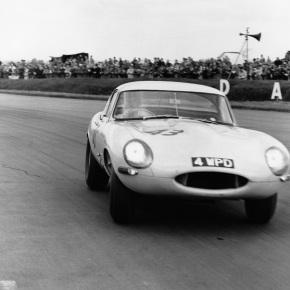 Jaguar building the six remaining LightweightE-Types