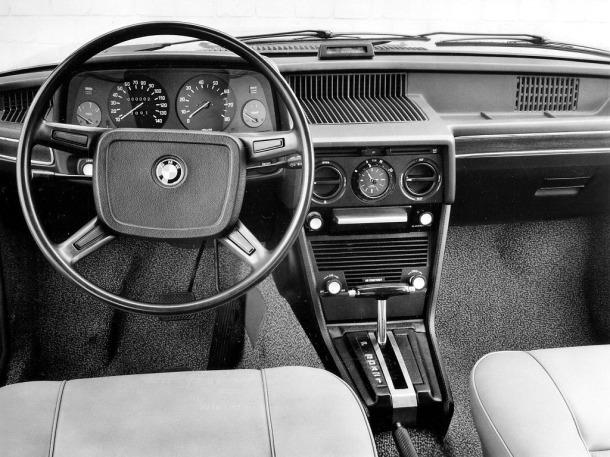 bmw-528-e12-interior