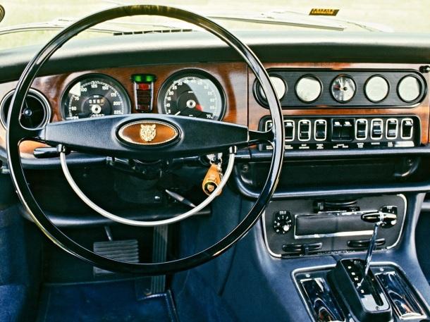 jaguar-xj-interior-1