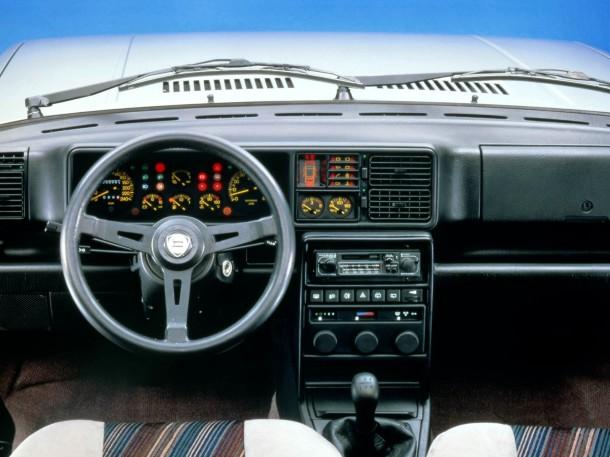 lancia-delta-hf-interior