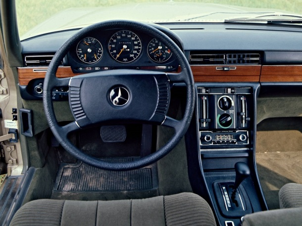 mercedes-benz-450-sel-69-interior