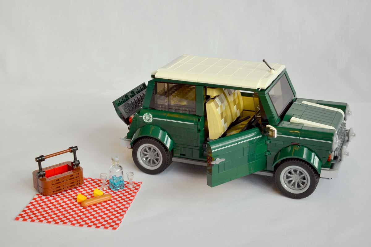 Lego And Bmw Reveal 1 077 Part Mini Cooper Ran When Parked