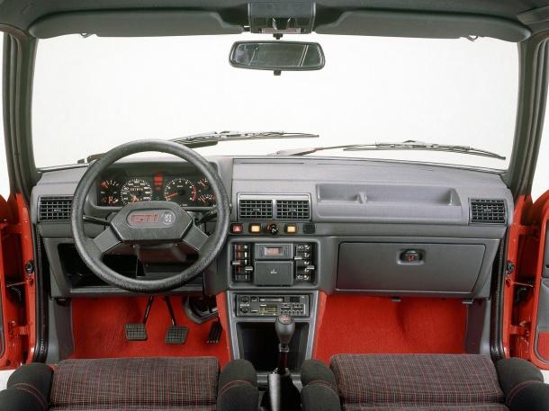 peugeot-205-gti-interior