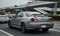 ranwhenparked-japan-nissan-skyline-gtr