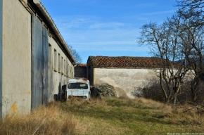 Rust in peace: Renault 4 short-wheelbasevan
