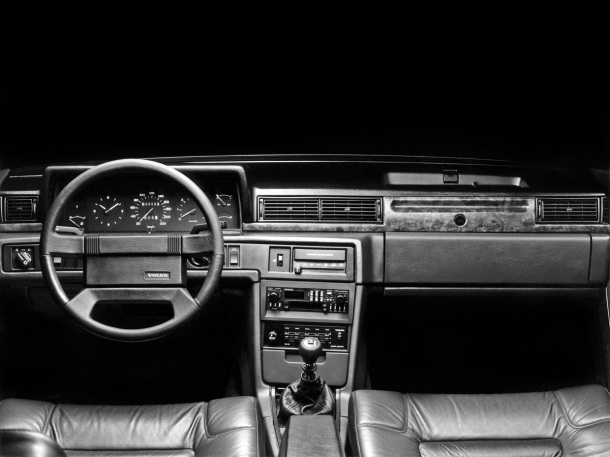 volvo-780-coupe-interior