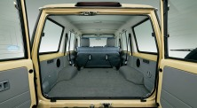 2014-toyota-land-cruiser-70-17