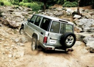 2014-toyota-land-cruiser-70-2