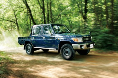 2014-toyota-land-cruiser-70-20