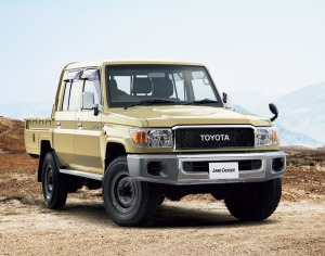 2014-toyota-land-cruiser-70-26