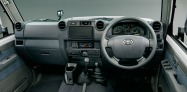 2014-toyota-land-cruiser-70-36