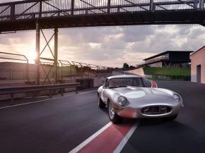 Jaguar introduces 21st century LightweightE-Type