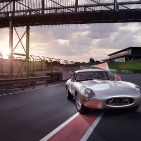 Jaguar introduces 21st century Lightweight E-Type