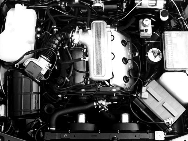 alfa-romeo-alfa-engine-bay