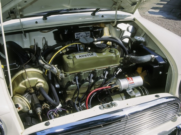 austin-mini-engine-bay