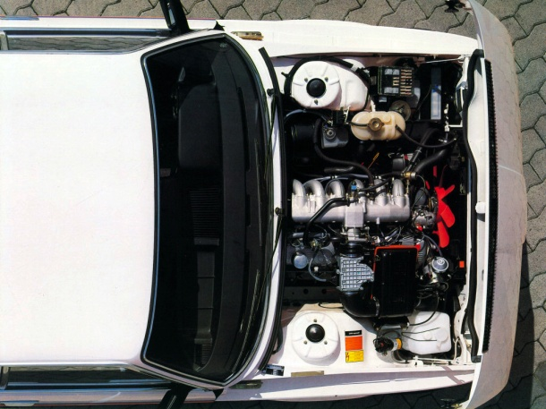 bmw-m535i-e12-engine-bay