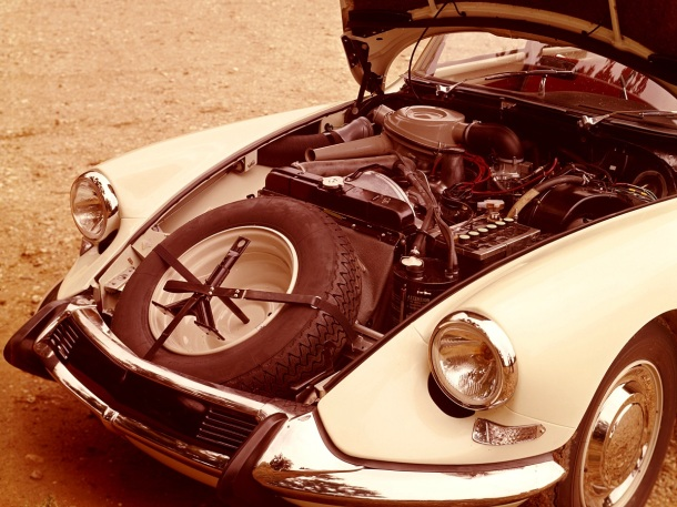 citroen-ds-engine-bay