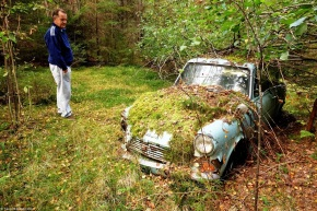 Man parks Ford Anglia in rural Finland, returns for it 40-yearslater