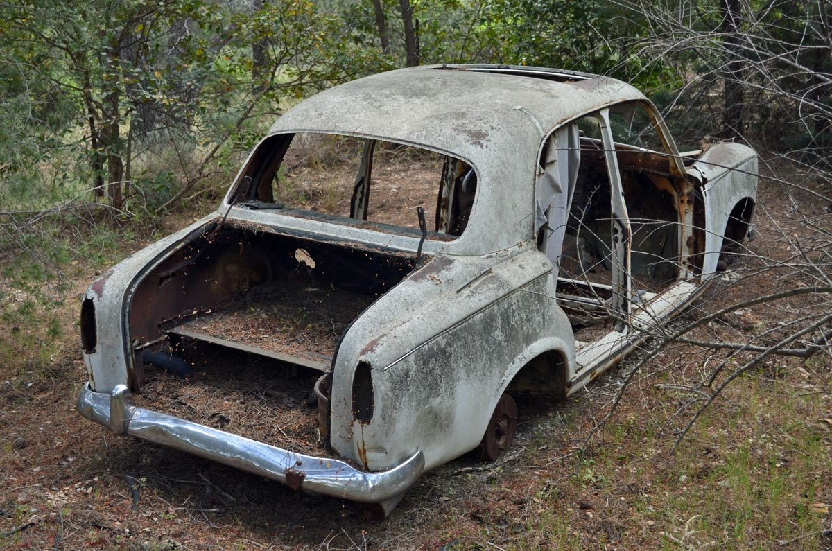 Rust In Peace Peugeot 403 Ran When Parked