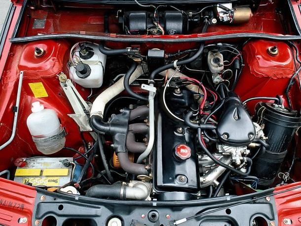 renault-fuego-gtx-engine-bay