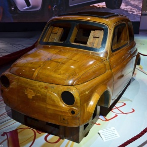 Live from the Paris Motor Show: the wood master model for the Fiat 500