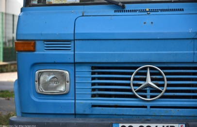 ranwhenparked-paris-mercedes-benz-409-tow-truck-1