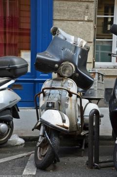 ranwhenparked-paris-piaggio-vespa-1