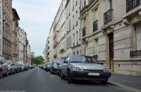 ranwhenparked-paris-renault-25-1