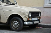ranwhenparked-paris-renault-4-5