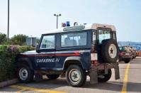 ranwhenparked-sardinia-land-rover-defender-carabinieri-1