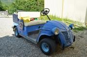 citroen-2cv-golf-cart-1