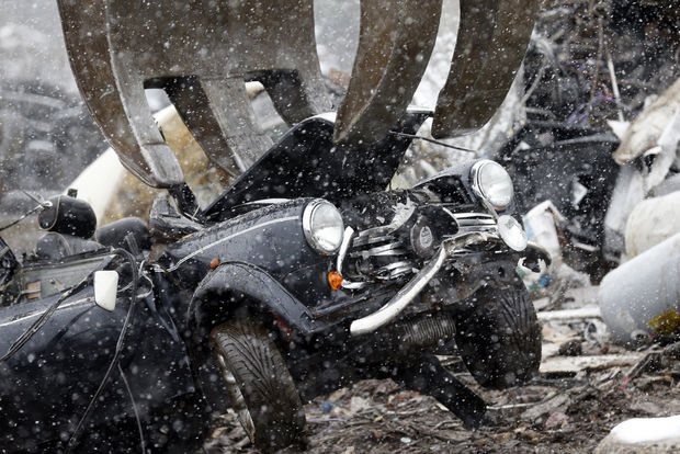 departmentment-of-homeland-security-mini-cooper-crushed-8