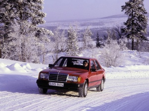 mercedes-benz-300e-4matic-1