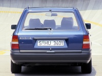mercedes-benz-s124-300te-7