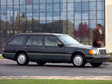mercedes-benz-w124-300te-1