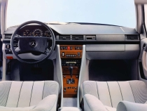 mercedes-benz-w124-300te-interior