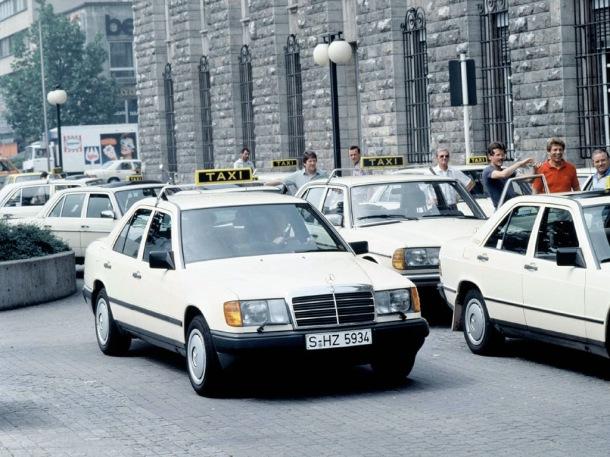 mercedes-benz-w124-taxi-1