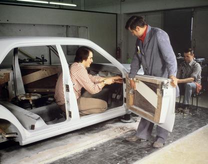 Mercedes-Benz Limousine der Baureihe 124, Entwicklung