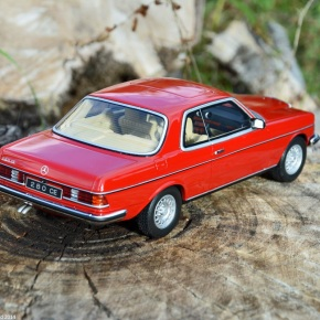 Scaled down: Ottomobile's 1/18-scale Mercedes-Benz 280CE (123-series)