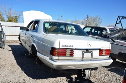 ranwhenparked-slc-mercedes-benz-w126-300sd-1