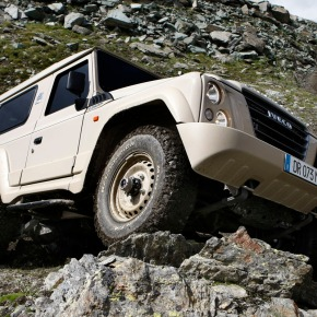 A look at the Defender-fighting Iveco Massif / Campagnola