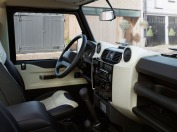 land-rover-defender-2015-23