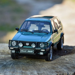 Scaled down: Ottomobile's 1/18-scale Volkswagen Golf Country