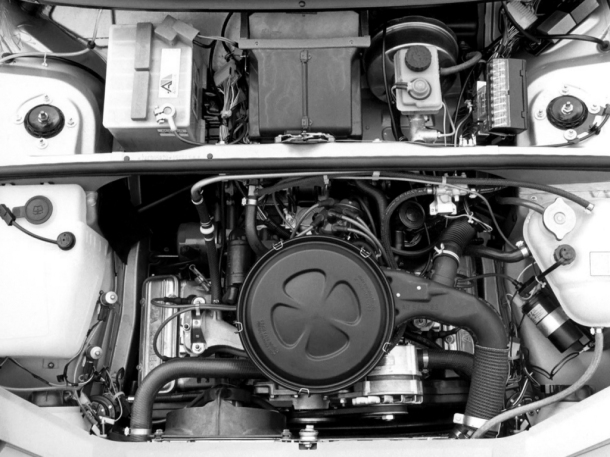 alfa-romeo-33-engine-bay-1