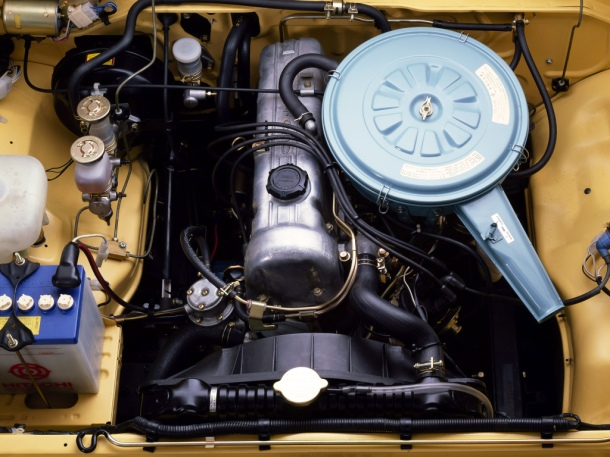 datsun-pickup-engine-bay-1
