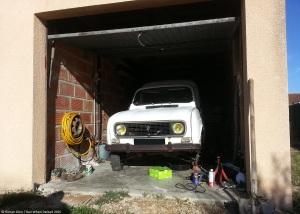renault-4-f4-garage-1