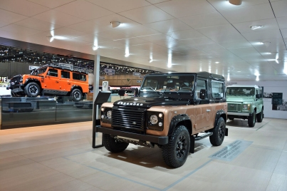 ranwhenparked-geneva2015-land-rover-defender-limited-edition-1